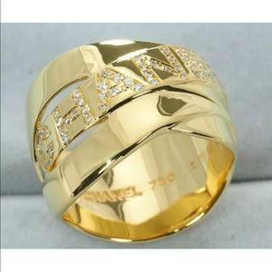 CHANEL 18KT Yellow Gold & Diamond Bolduc Ring